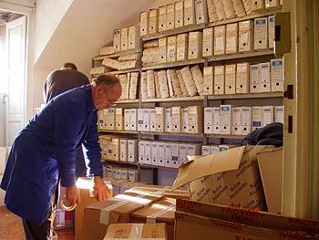 Mudanzas Hércules -hombres en almacén de archivos